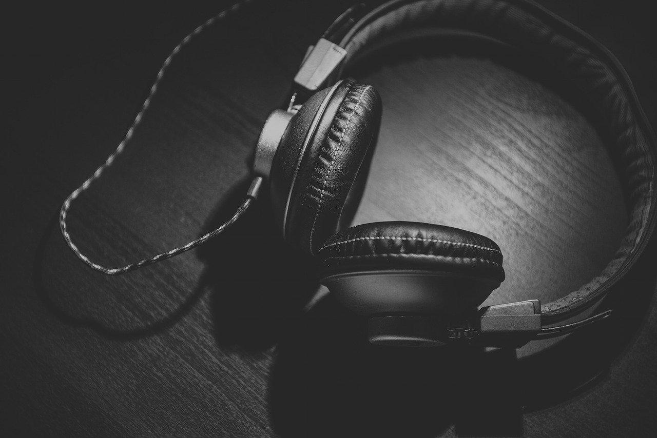 Wzmacniacz słuchawkowy – kiedy i jaki kupić?