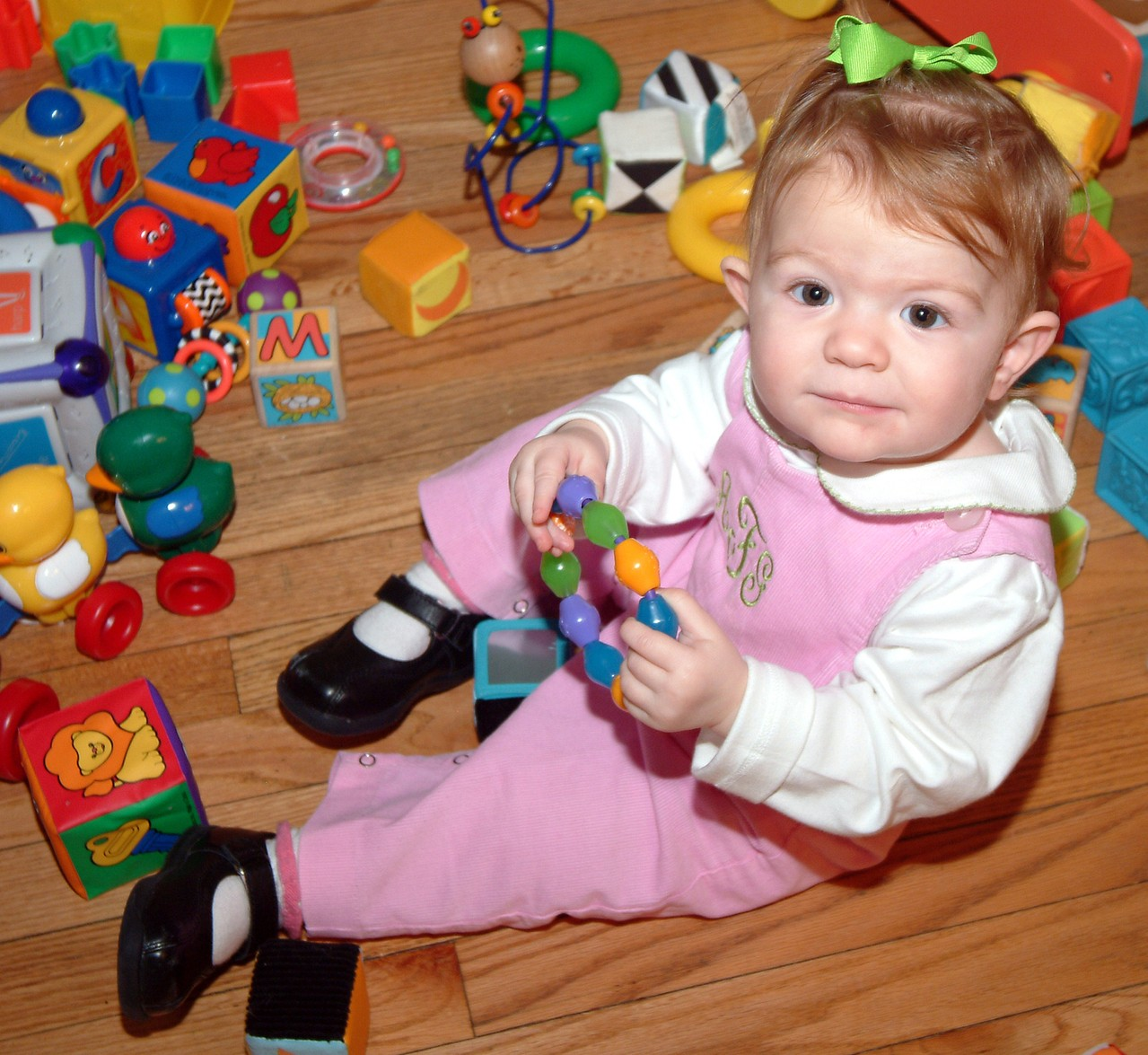 Podłoga w pokoju dziecka jest placem zabaw